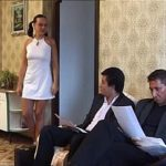 Обе шлюхи продемонстрировали иностранцу анальчика и дали молодчику в мотеле